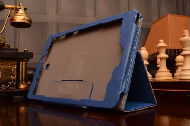 """Фирменный чехол бизнес класса для Acer Iconia Tab W1-810 с визитницей и держателем для руки синий натуральная кожа """"Prestige"""" Италия"""